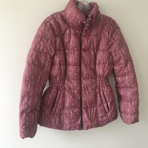 Simply styled puffer jacket